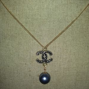 Authentic Vintage resin & gold blk Pearl #35008